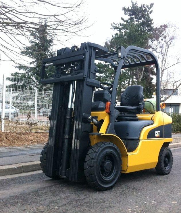 chariot l vateur frontal 4 roues caterpillar gp25n vendre sur capm europe. Black Bedroom Furniture Sets. Home Design Ideas