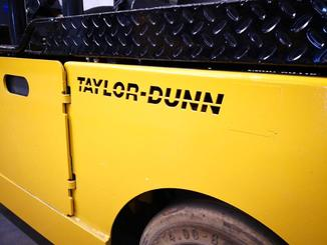 Tracteur industriel Taylor Dunn TT-316-36