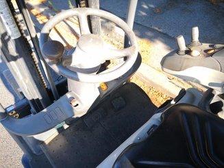 Chariot élévateur frontal 3 roues Crown SC5320-1,6