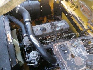 Chariot élévateur frontal 4 roues Yale GDP25TF