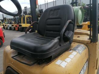 Chariot élévateur frontal 4 roues Caterpillar GP25K