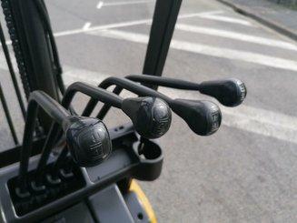 Chariot élévateur frontal 3 roues Caterpillar EP20NT