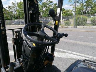 Chariot élévateur frontal 4 roues Caterpillar EC25N