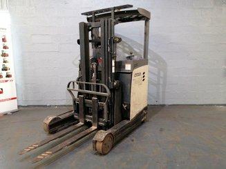 Chariot à mât rétractable Crown ESR5240-1.4