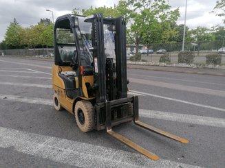Chariot élévateur frontal 4 roues Caterpillar GP18N