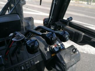 Chariot élévateur frontal 4 roues Caterpillar DP45NTD